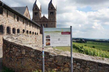 Infotafel Hildegardweg am Kloster Eibingen